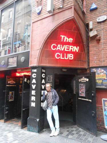 The Cavern DJ Jon Gasteiz